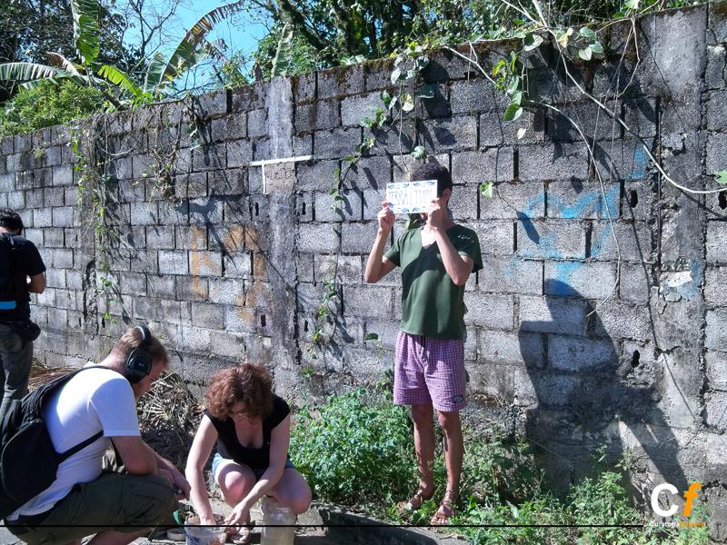 baja_rodrigo-ortega-agustin-genoud-karina-quinteros-e-mavi-veloso-trabalhando-juntos-em-intervencao-urbana_foto-leonardo_araujo